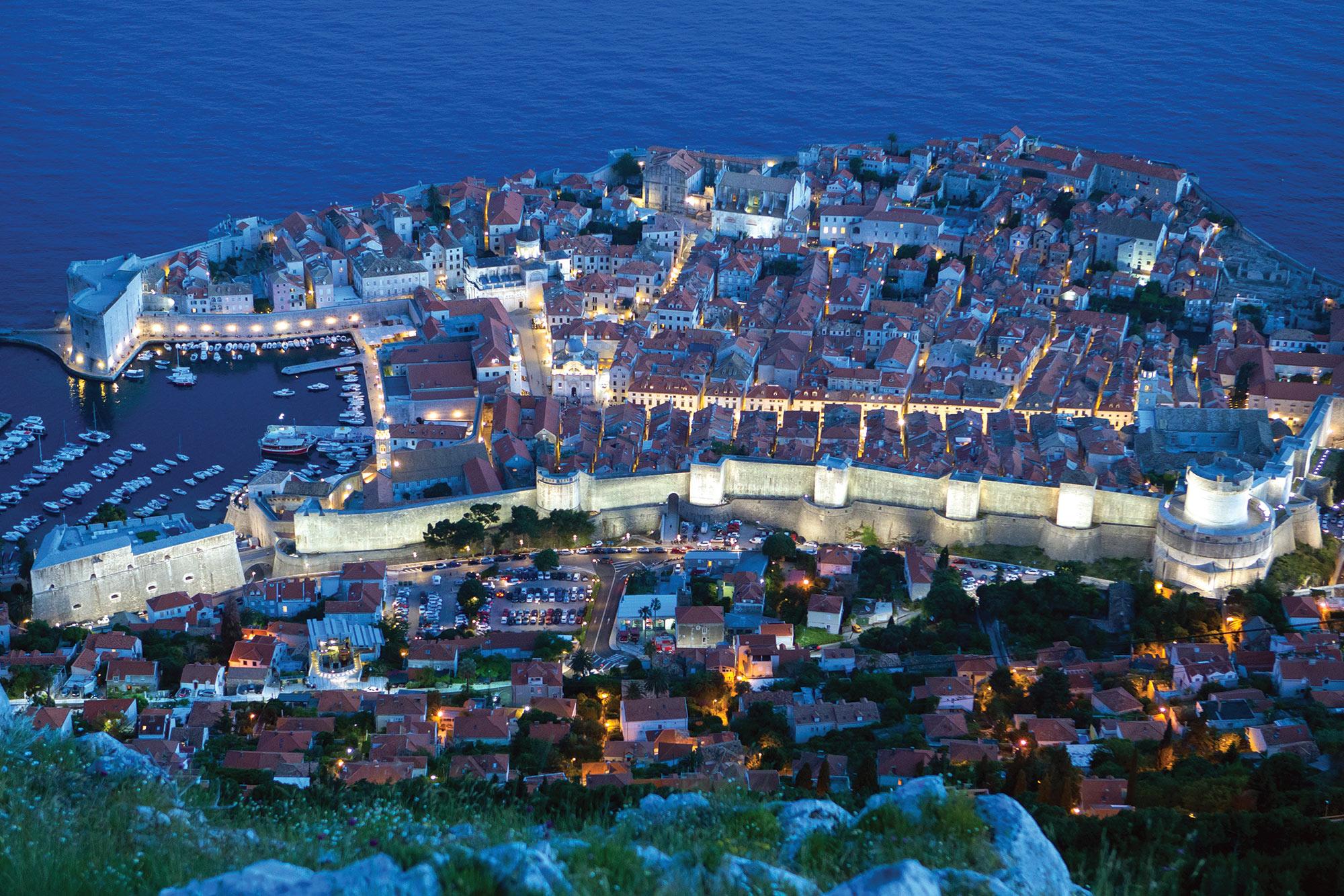Dubrovnik_citylights_panorama_croatia