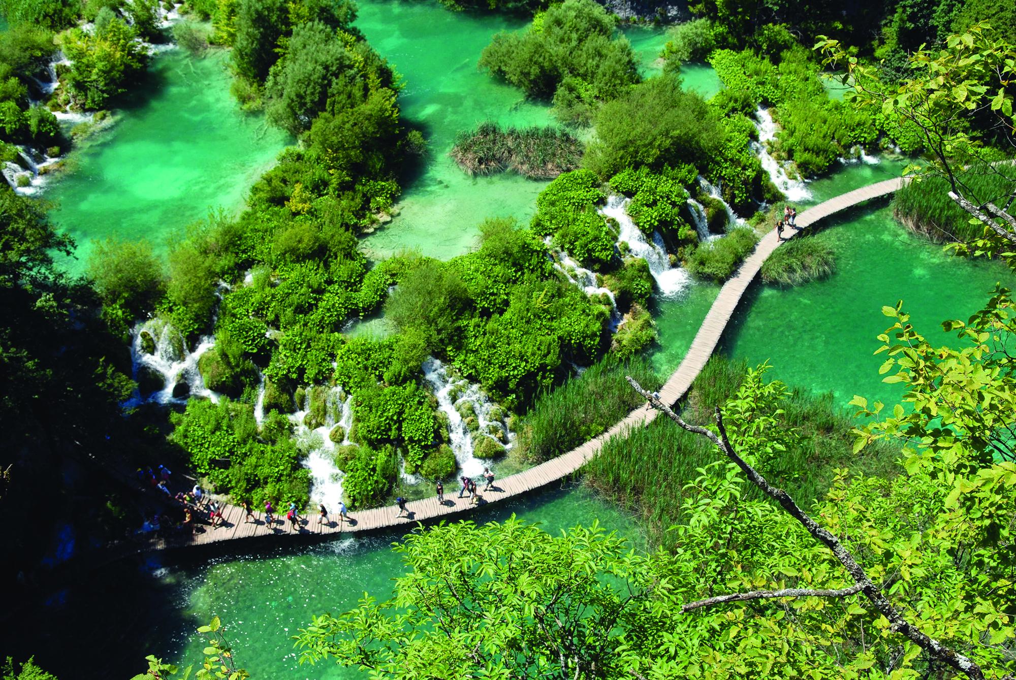Plitvice_croatia_waterfall